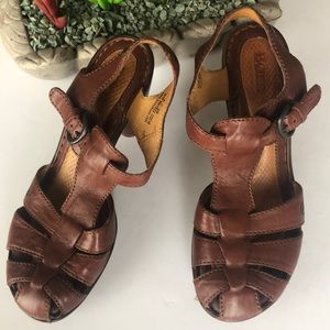BORN brown leather heel sandal 8